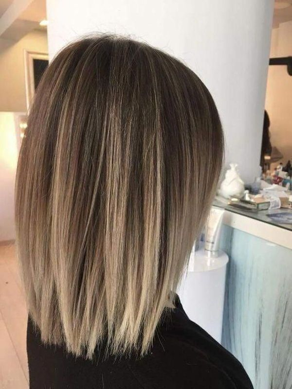 Having Thicker Hair With The Medium Length You Can Get Some Easy And Best Hairstyles On It Medium Bob Hairstyles Straight Bob Haircut Brunette Balayage Hair