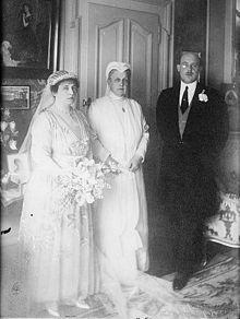 Cristoforo di Grecia - 1912.Con Aspasia, moglie morganatica di Alessandro I e la Regina Madre Olga
