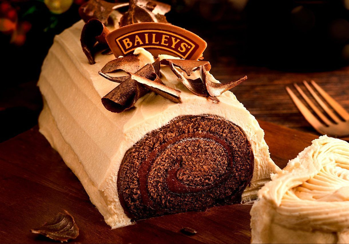 Baileys bring back their incredible Chocolate Yule Log - and it's only £5! #yulelogrecipe Baileys bring back their incredible Chocolate Yule Log - and it's only £5! #yulelog Baileys bring back their incredible Chocolate Yule Log - and it's only £5! #yulelogrecipe Baileys bring back their incredible Chocolate Yule Log - and it's only £5! #yulelog