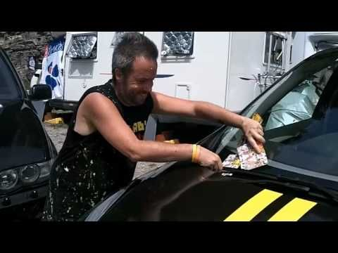 Painting Lance Armstrong during stage 8 of the 2010 TDF