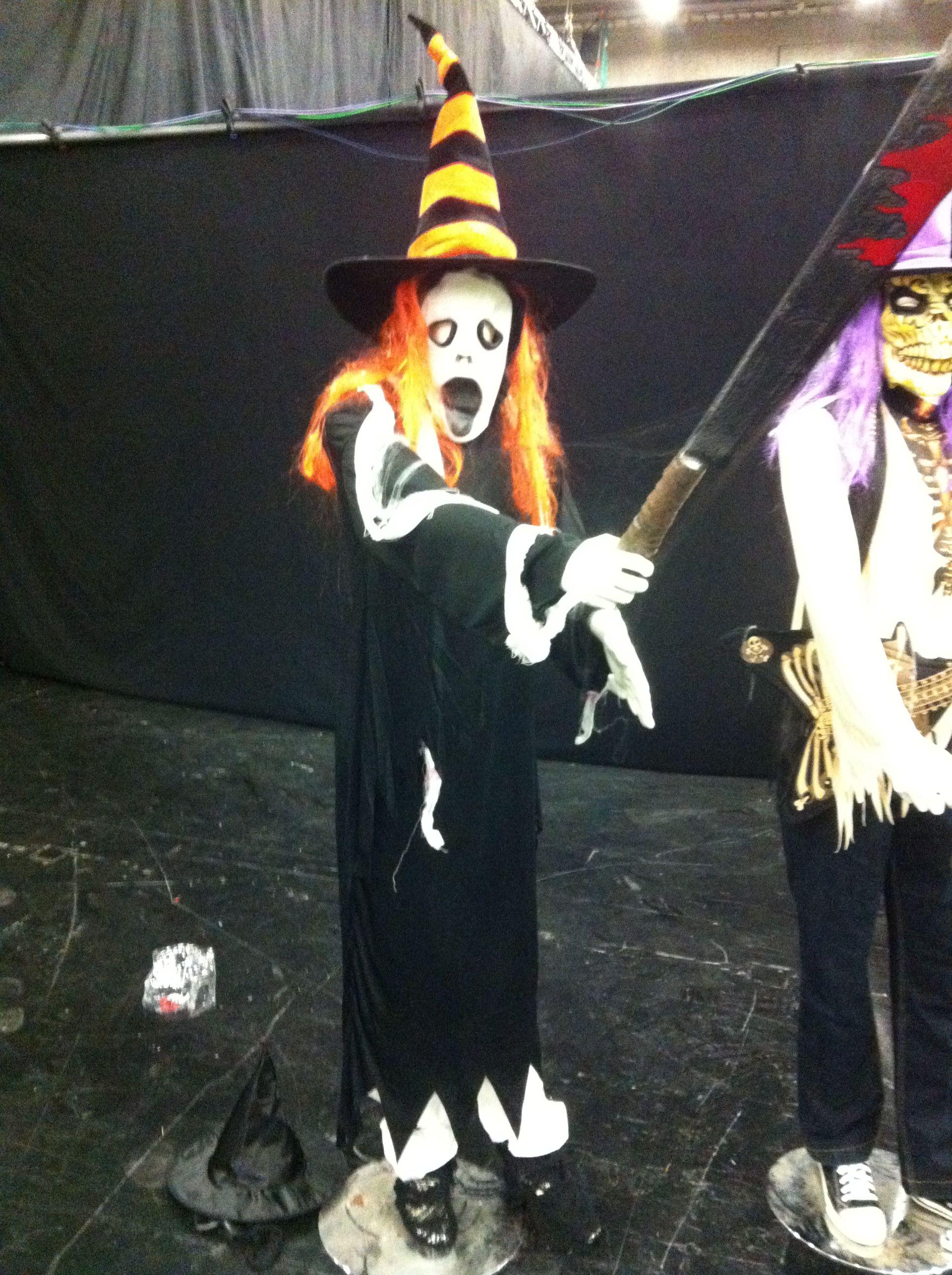 Big Brother julkkistalon Halloween lavastusta 2013.