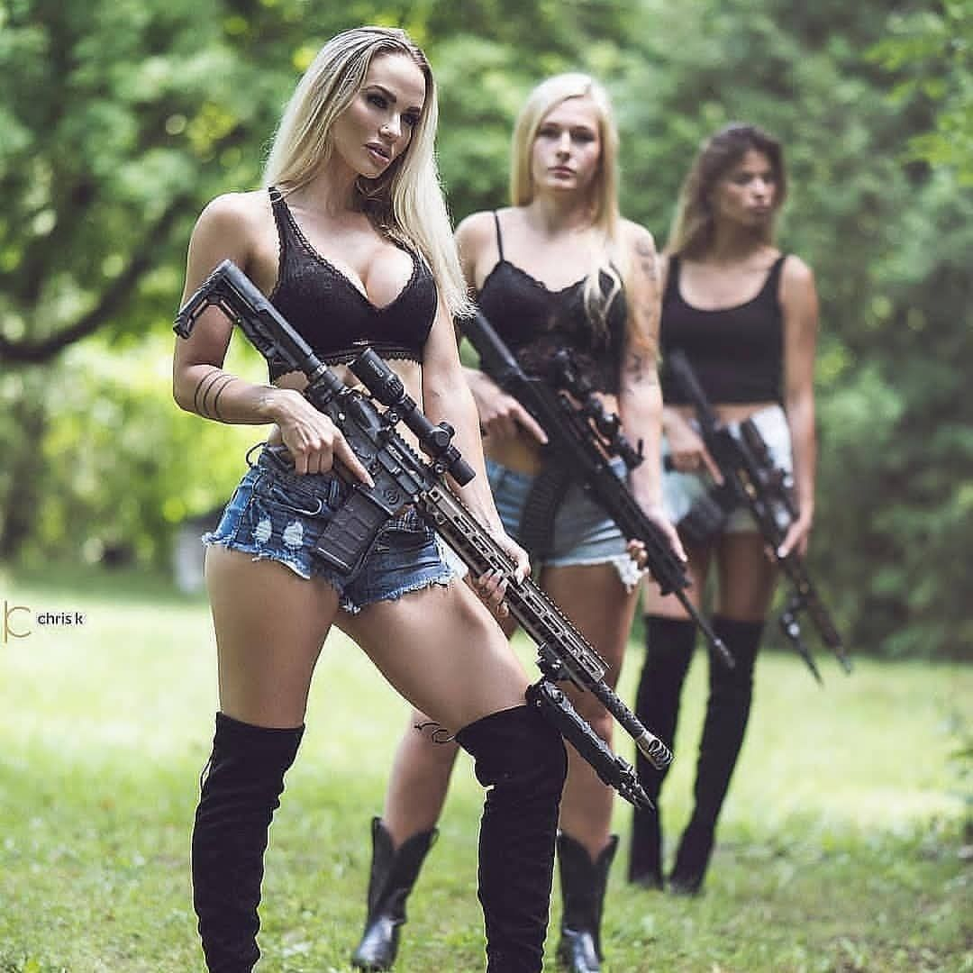 Pin on Hot Military Babes - Sexy Girls & Guns - Girls With