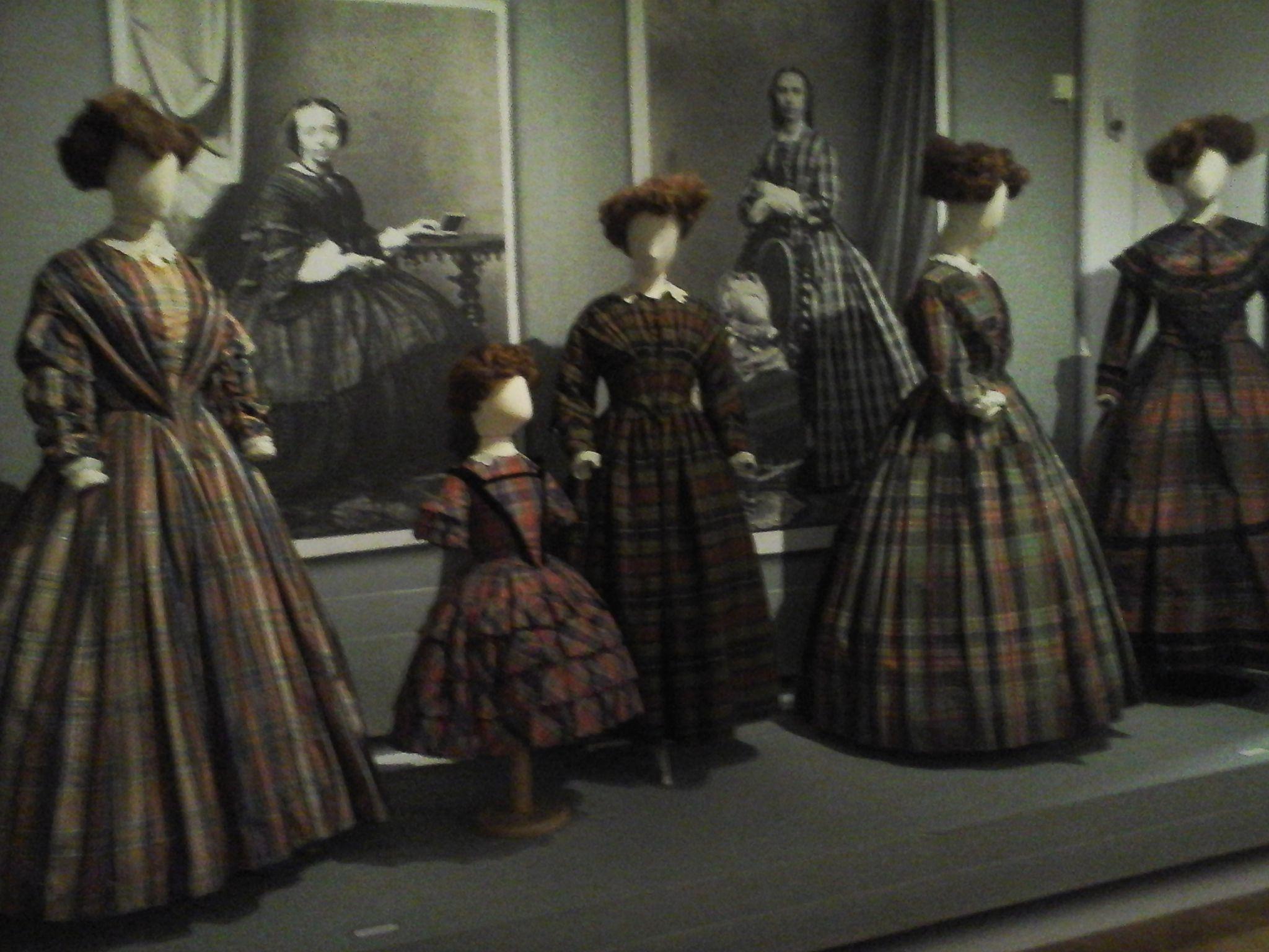 Romantic Fashion - Gemeentemuseum Den Haag