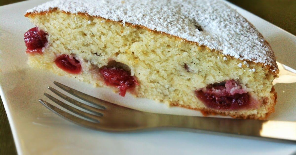 Veganer und herrliche fluffiger Vanille-Kuchen mit saftigen - schnelle vegane küche