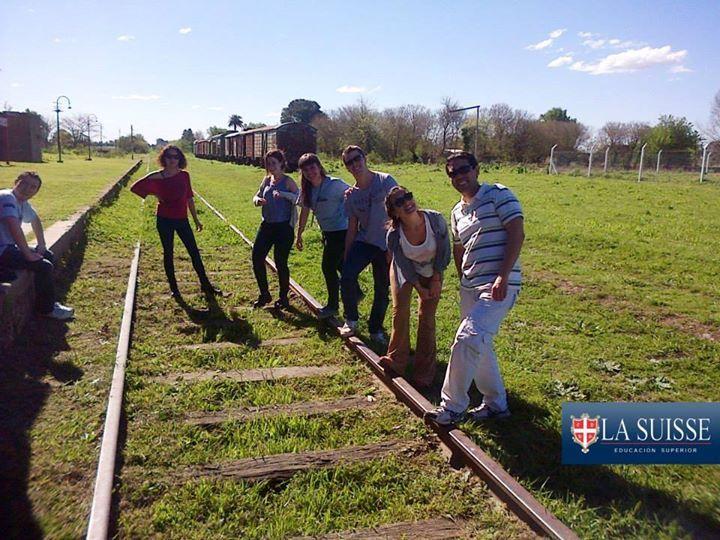 Grupo Fuera de Ruta Viajes en antigua estación del FF.CC - Pueblo de Vagues