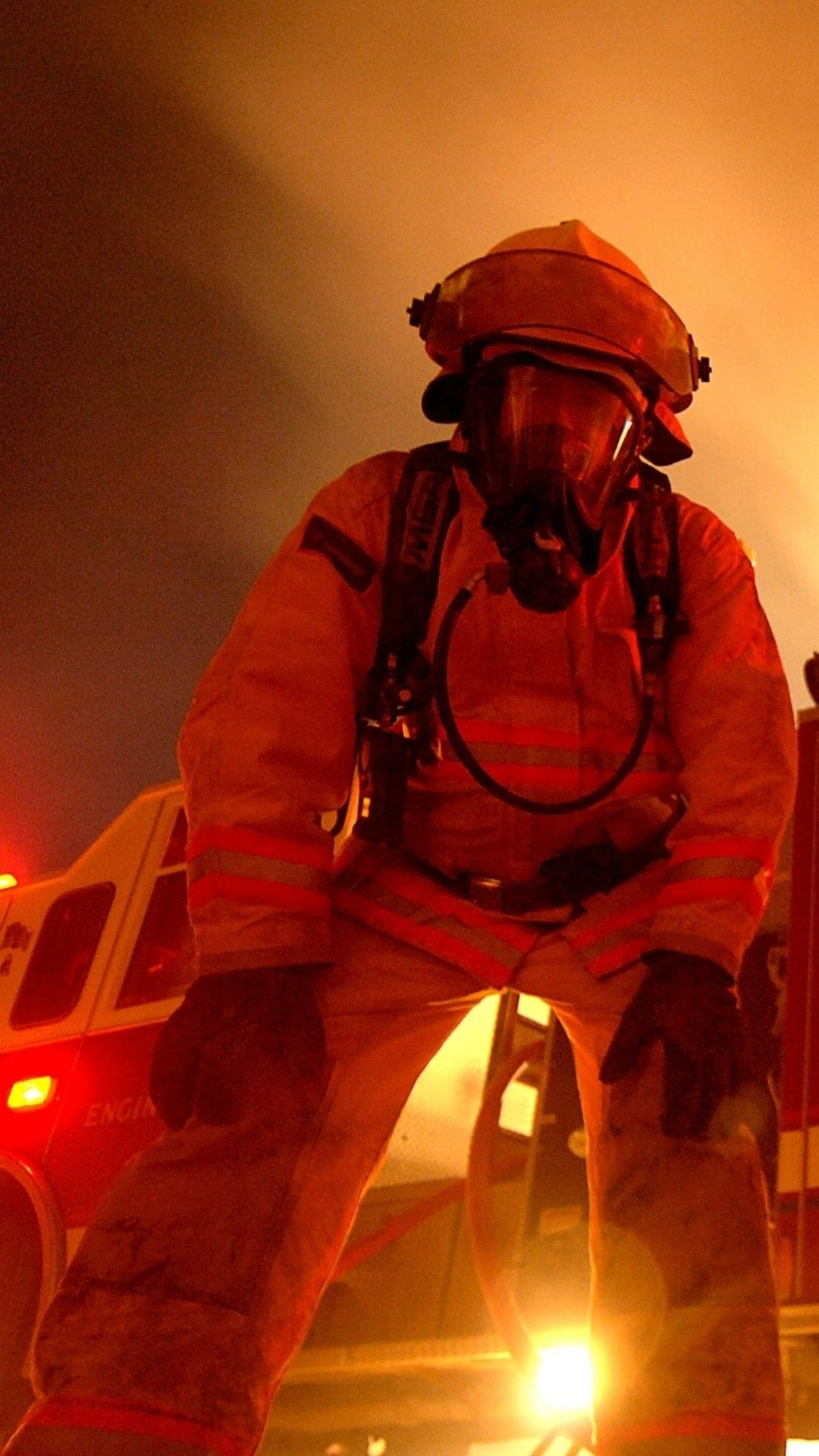 60 Hd Firefighter Wallpapers On Wallpaperplay Firefighter Wallpaper Free Animated Wallpaper