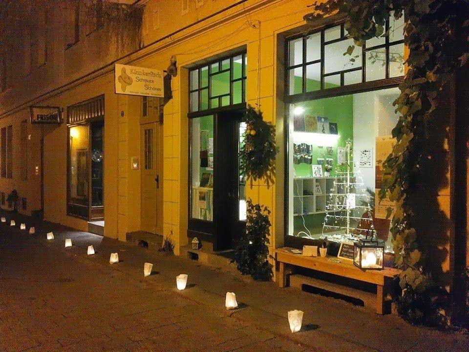 Klunkerfisch-Laden in der Kuhgasse 7 in 06108 Halle (Saale). Stimmungsvolle Weihnachtszeit.