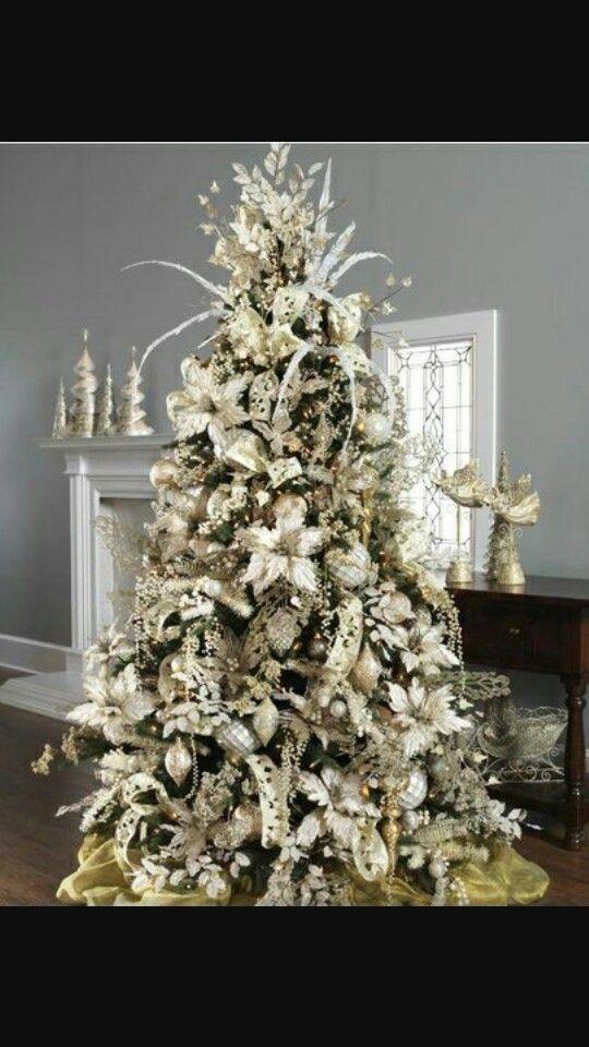 37 Inspiring Christmas Decorating Ideas Shown
