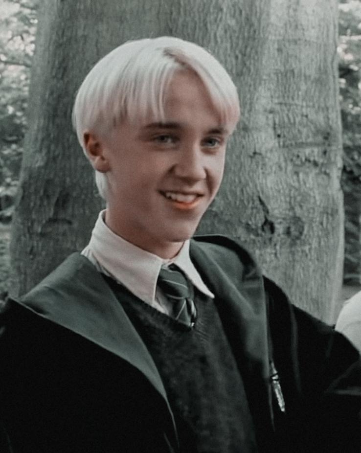 Pin By Nasteap174 On Pair Of Kings Tom Felton Draco Malfoy Draco Malfoy Draco Harry Potter