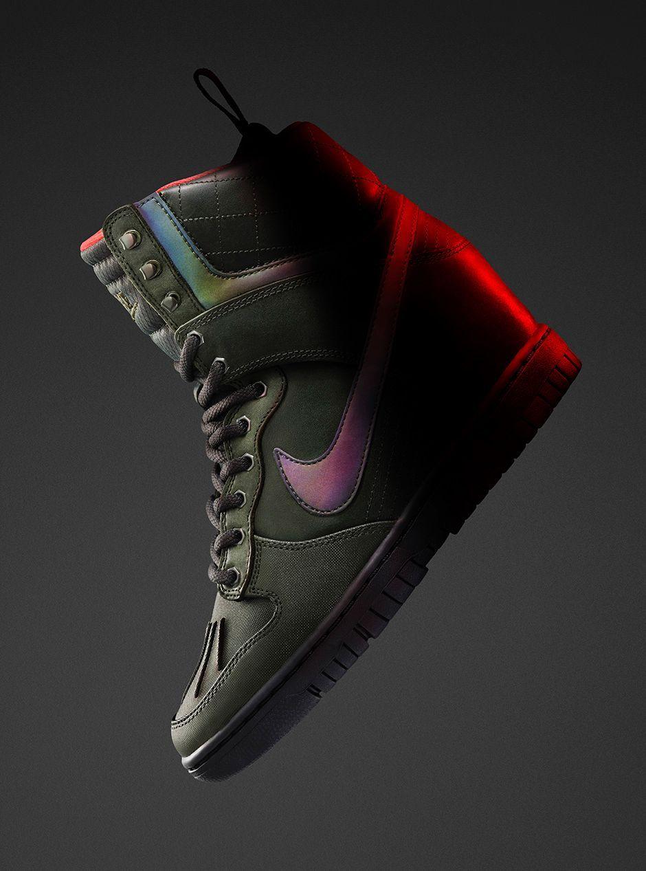 Nike Women's Dunk Sky Hi 2.0 SneakerBoot, Sequoia/Bright  Crimson/Menta/Sequoia