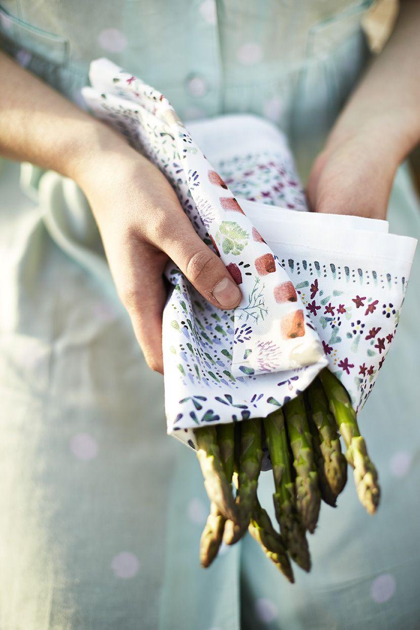 Kitchen Garden Hens Shop Kitchen Garden Textiles Brighten Up Your Kitchen With One Of