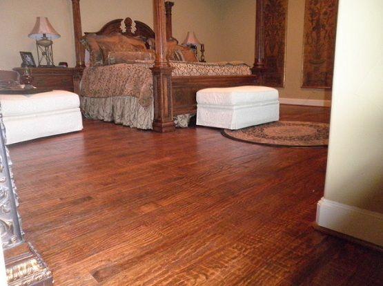 Traditional Bedroom Decor With Red Oak Hardwood Flooring Oak Hardwood Flooring Red Oak Hardwood Hardwood Floors