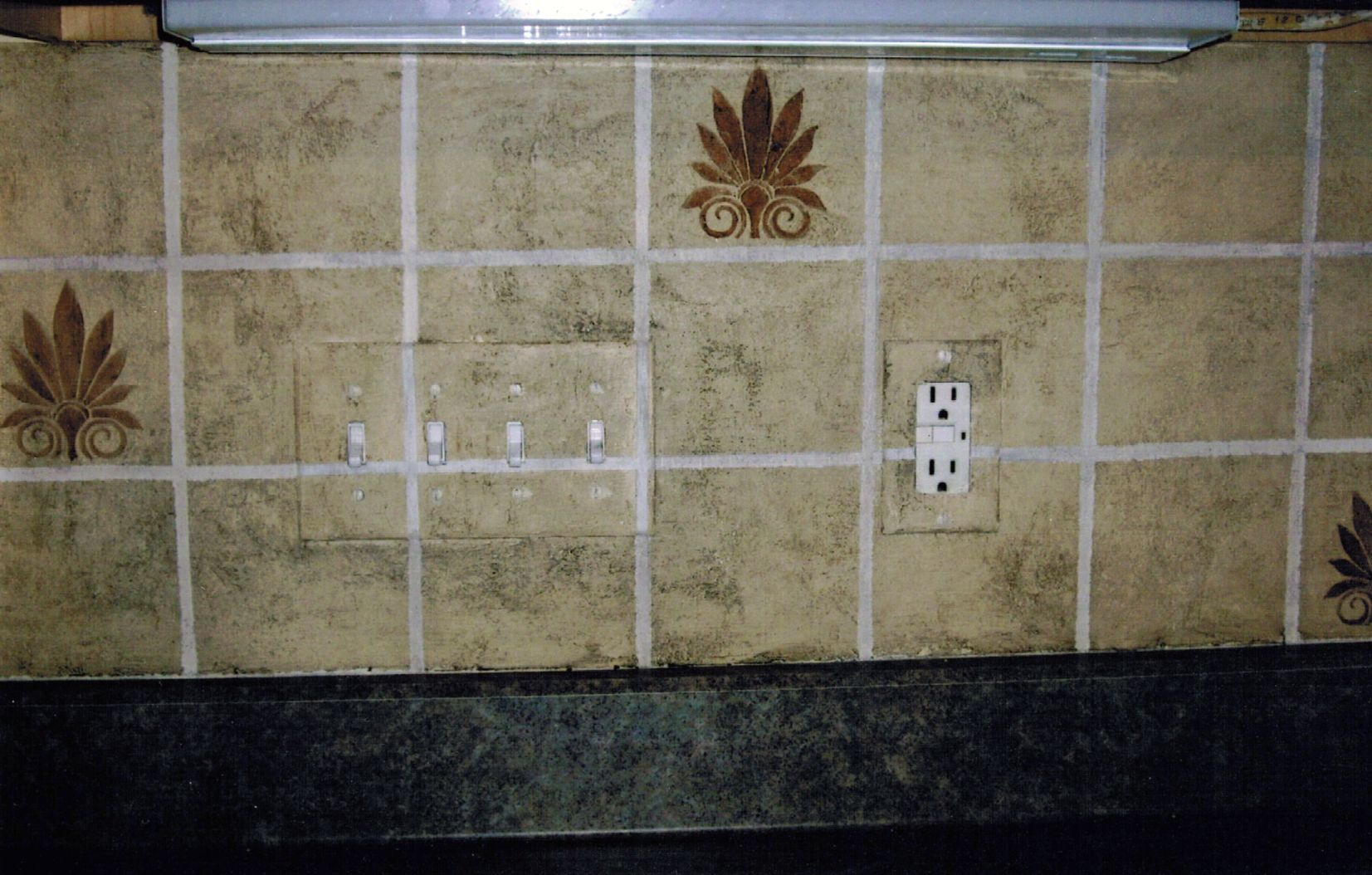 Is that a tile backsplash guess again this is all plaster is that a tile backsplash guess again this is all plaster finished with dailygadgetfo Choice Image