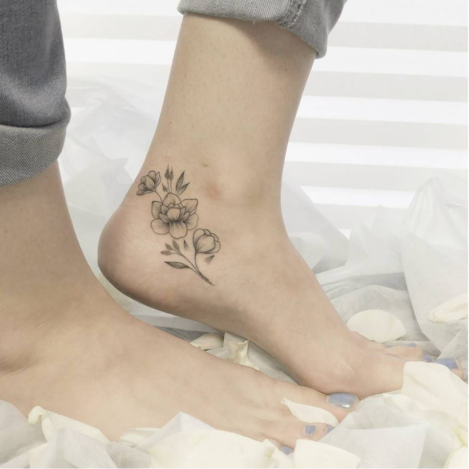 Girly And Cute Flower Tattoo Juliamikhaylova Flower Girly Cute Delicate Simple Dotwotk Finelines Foot Tattoos Anklet Tattoos Cute Foot Tattoos