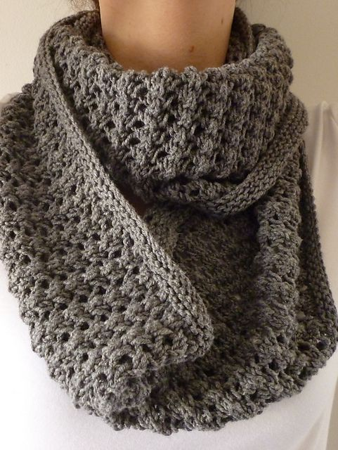 Free Pattern: Easy Lace Cowl by Donna Edgar (Ravelry). | tejer sin ...