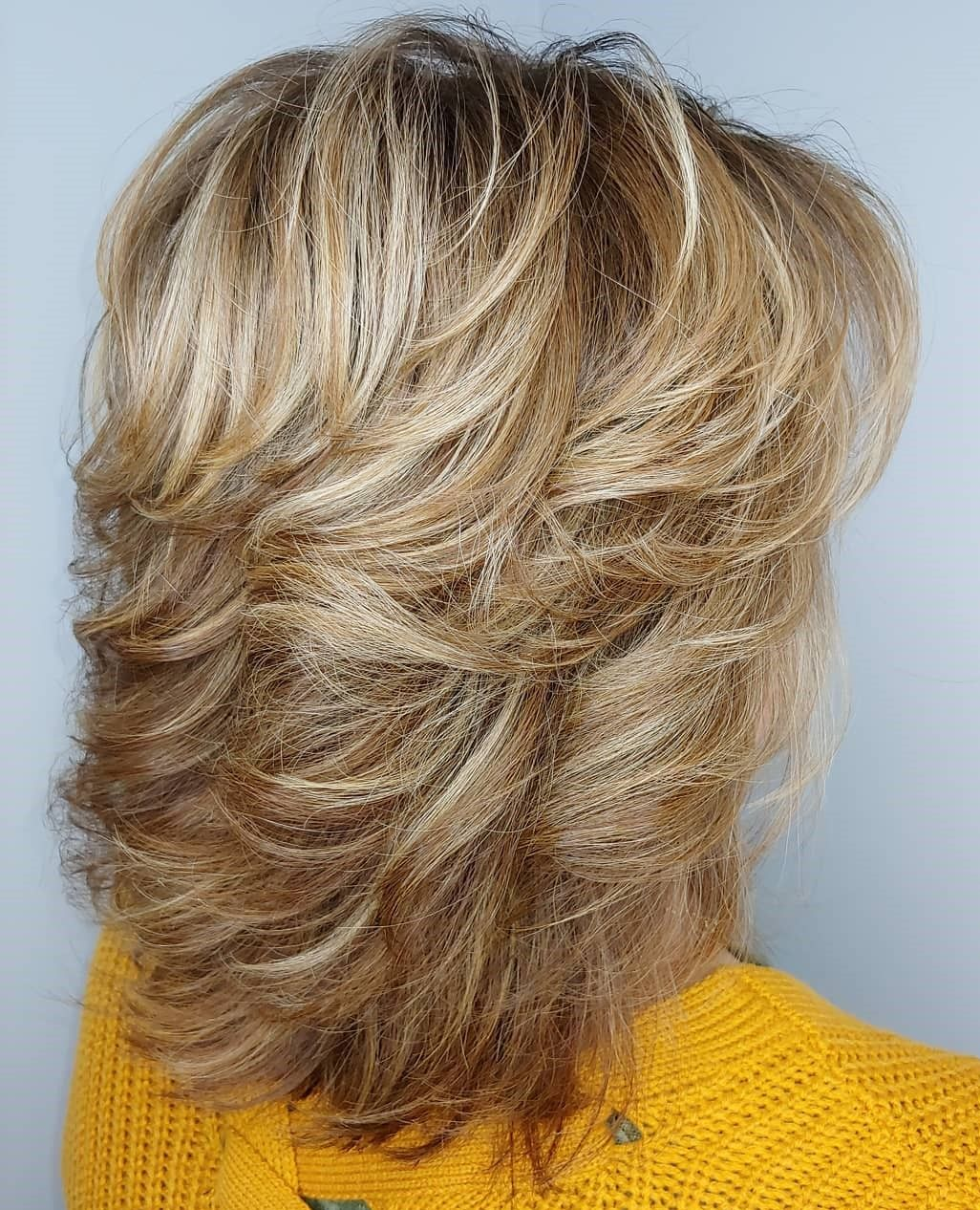 Graded Feathered Shag For Thick Hair In 2020 Medium Shag Haircuts Medium Hair Styles Thick Hair Styles