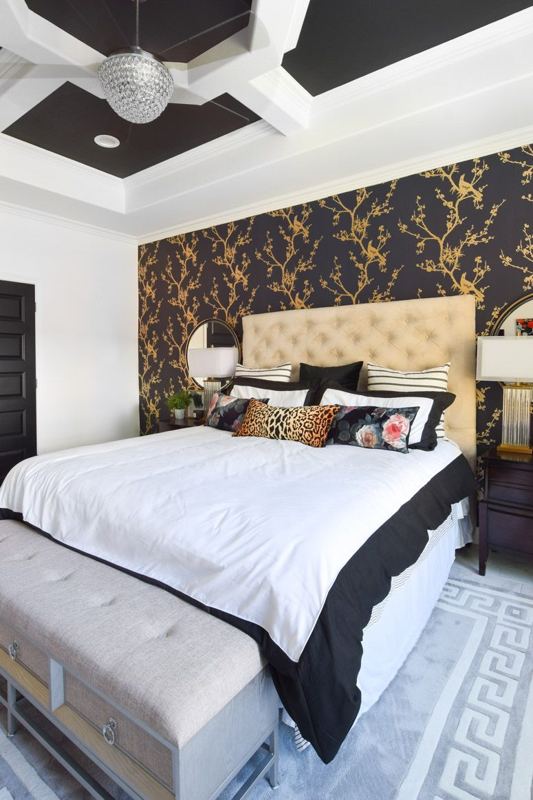 College Apartment White Gold And Black Black White And Gold Bedroom Gold Bedroom White Gold Bedroom