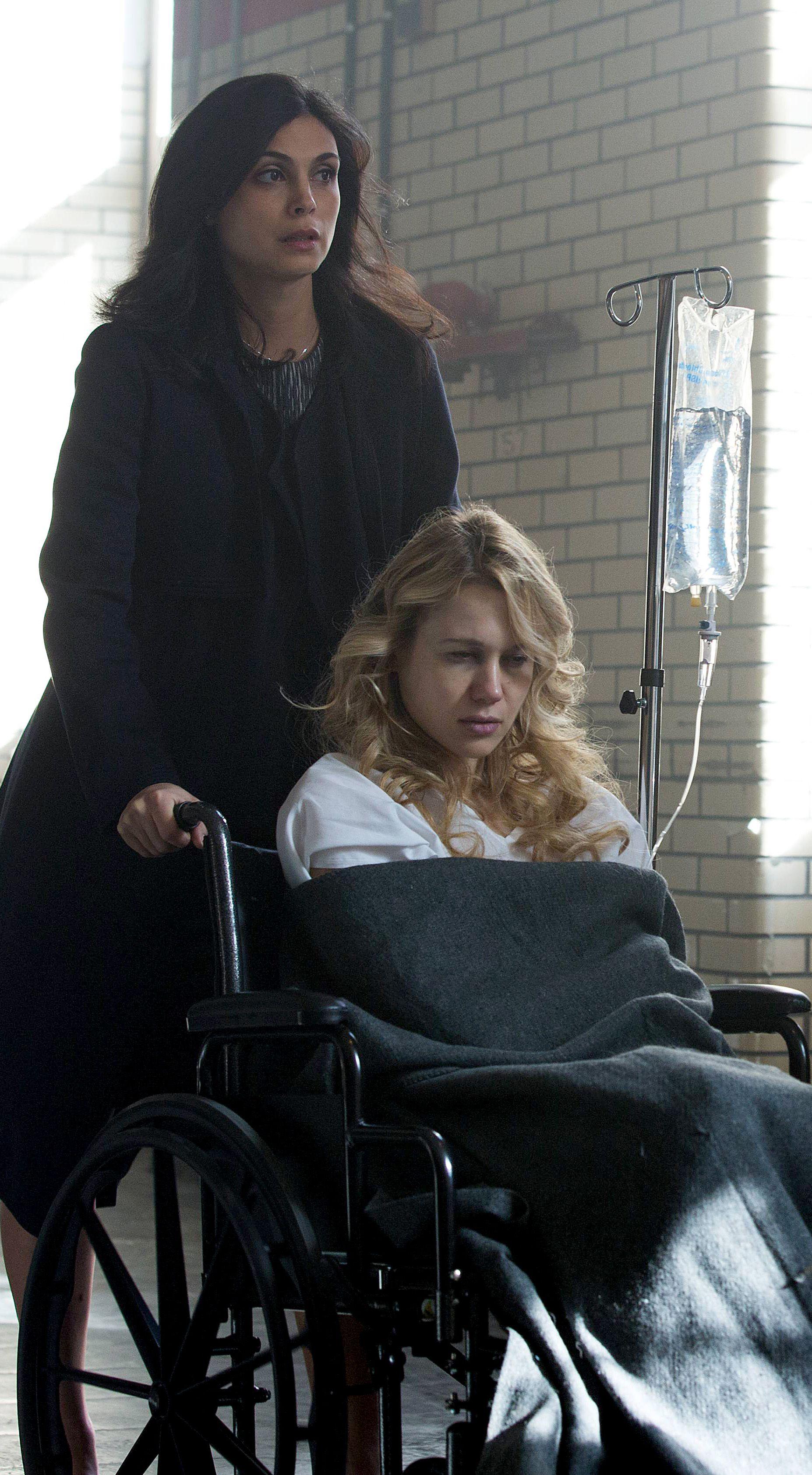 Gotham 2x13 Dr Leslie Thompkins Morena Baccarin Hq
