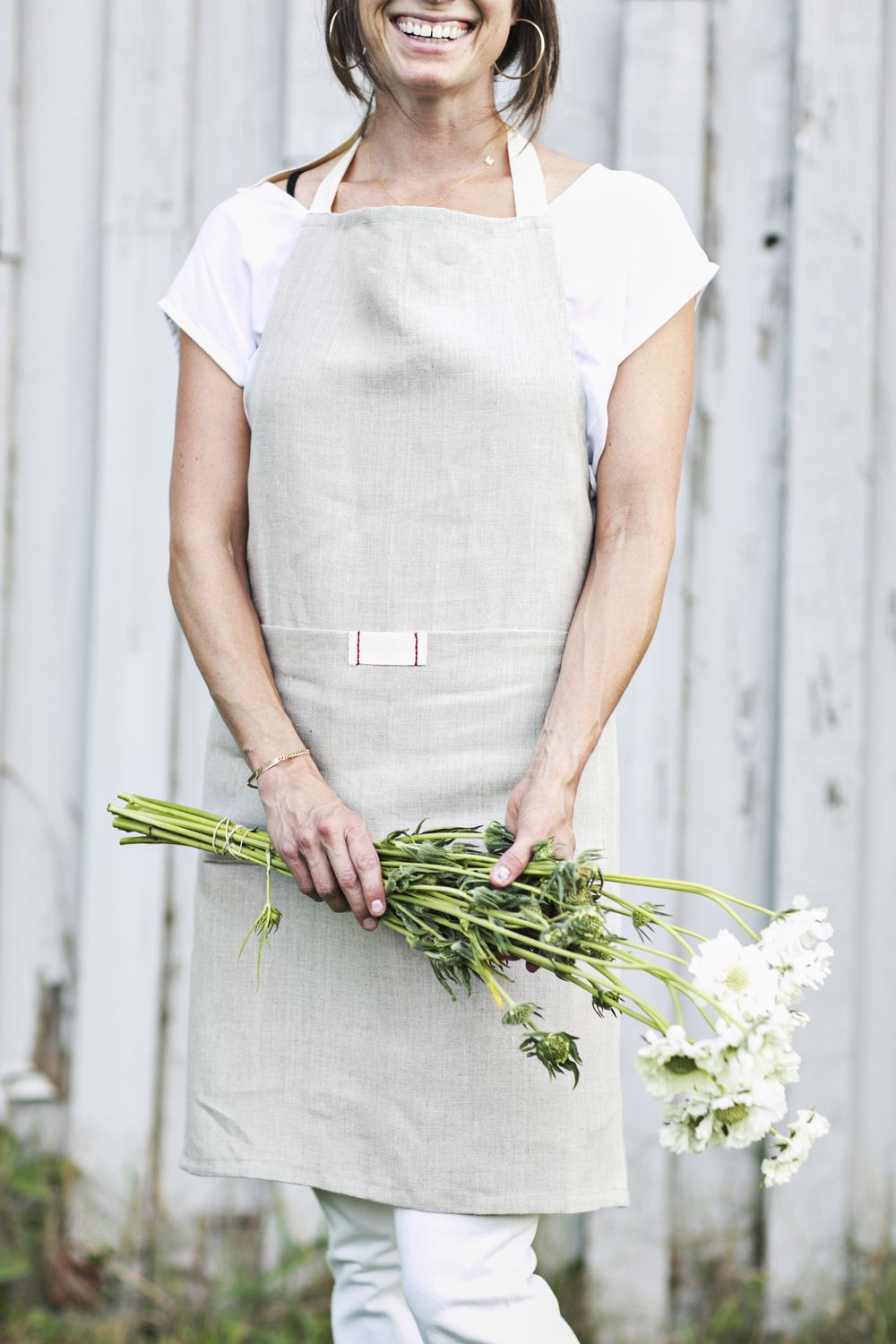 Full bistro apron with pocket. heirloomed is a 100 linen