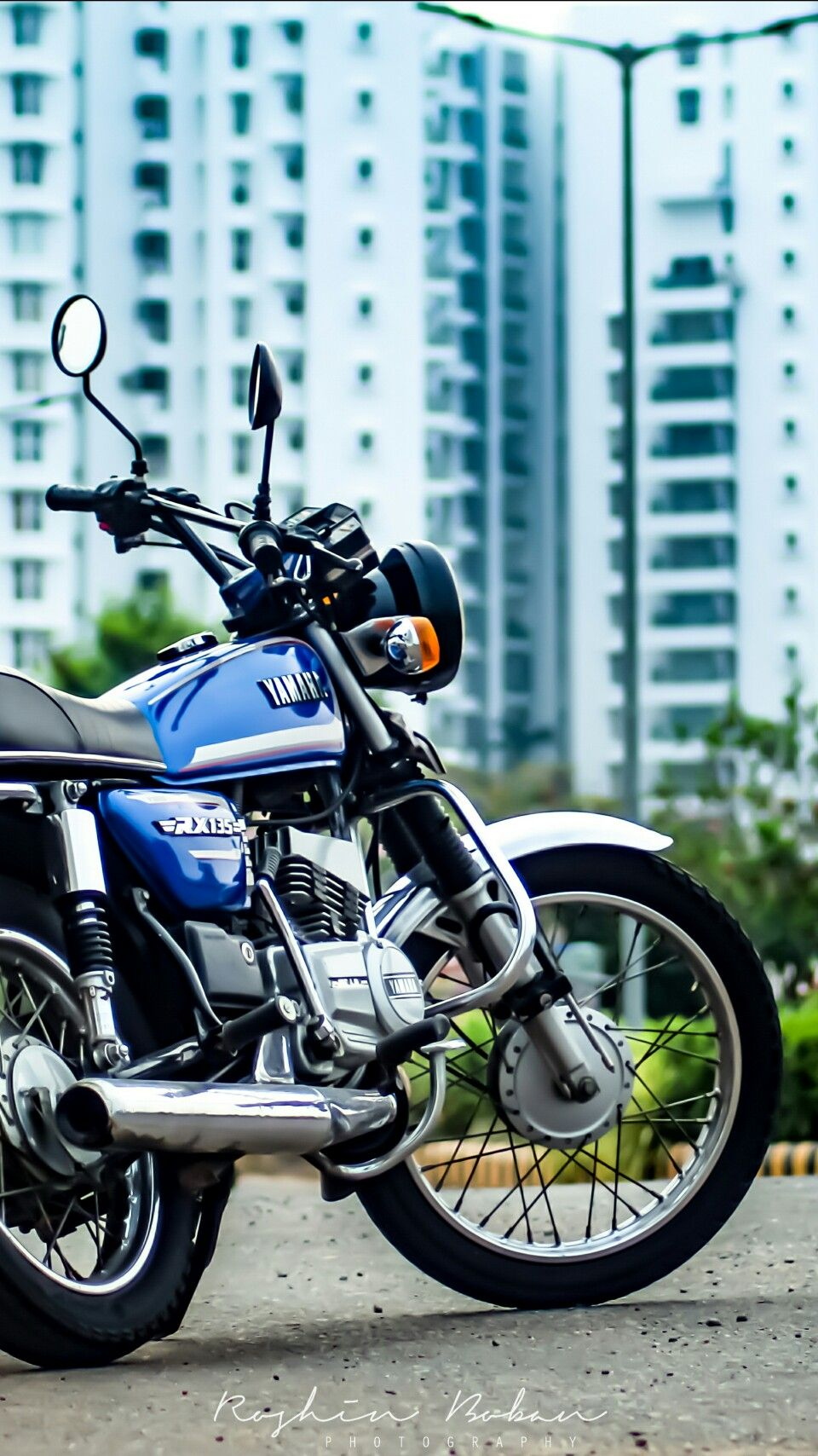 Yamaha RX 100 Wallpaper