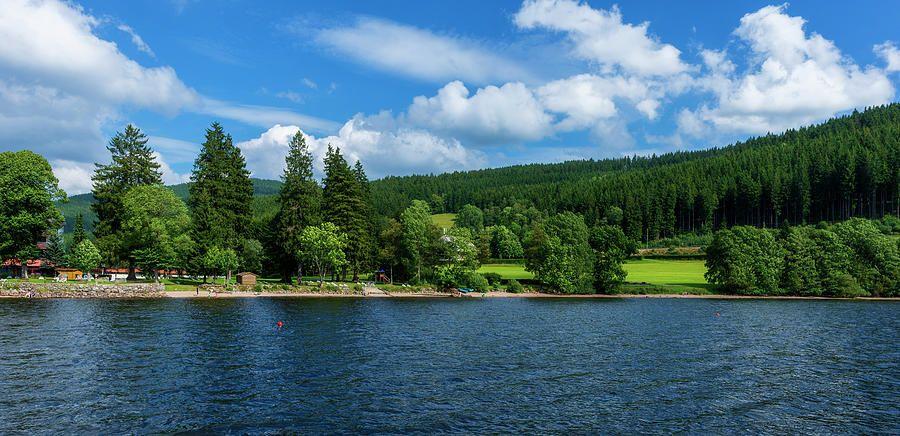 El lago Titisee en la selva negra de Alemania