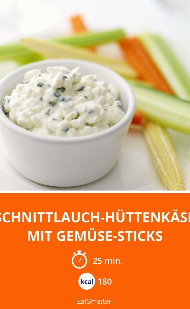 Schnittlauch-Hüttenkäse mit Gemüse-Sticks - smarter - Kalorien: 180 Kcal - Zeit: 25 Min. | eatsmarter.de