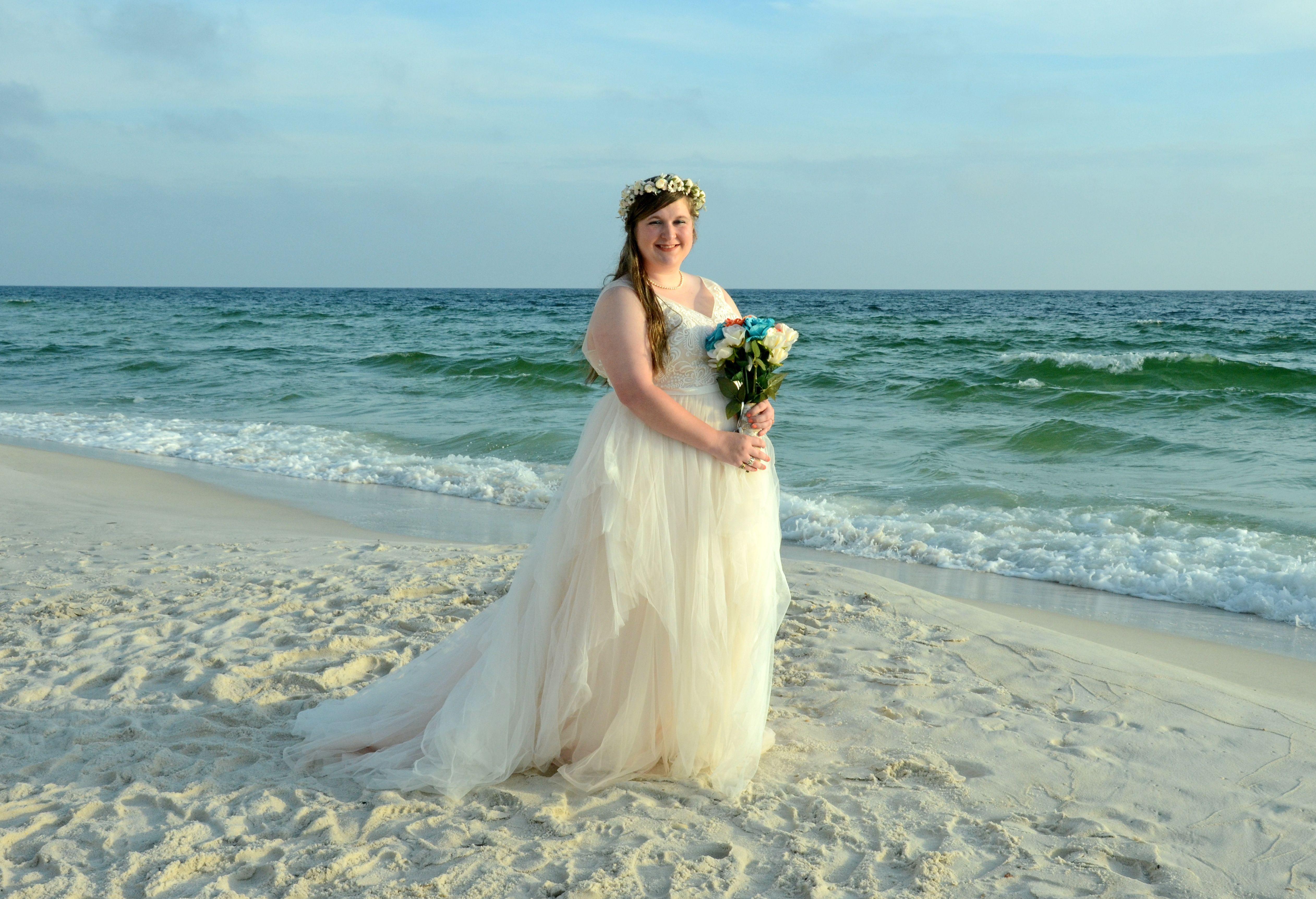 Florida Beach Wedding In 2020 Sunset Beach Weddings Beach Bride Florida Beach Wedding