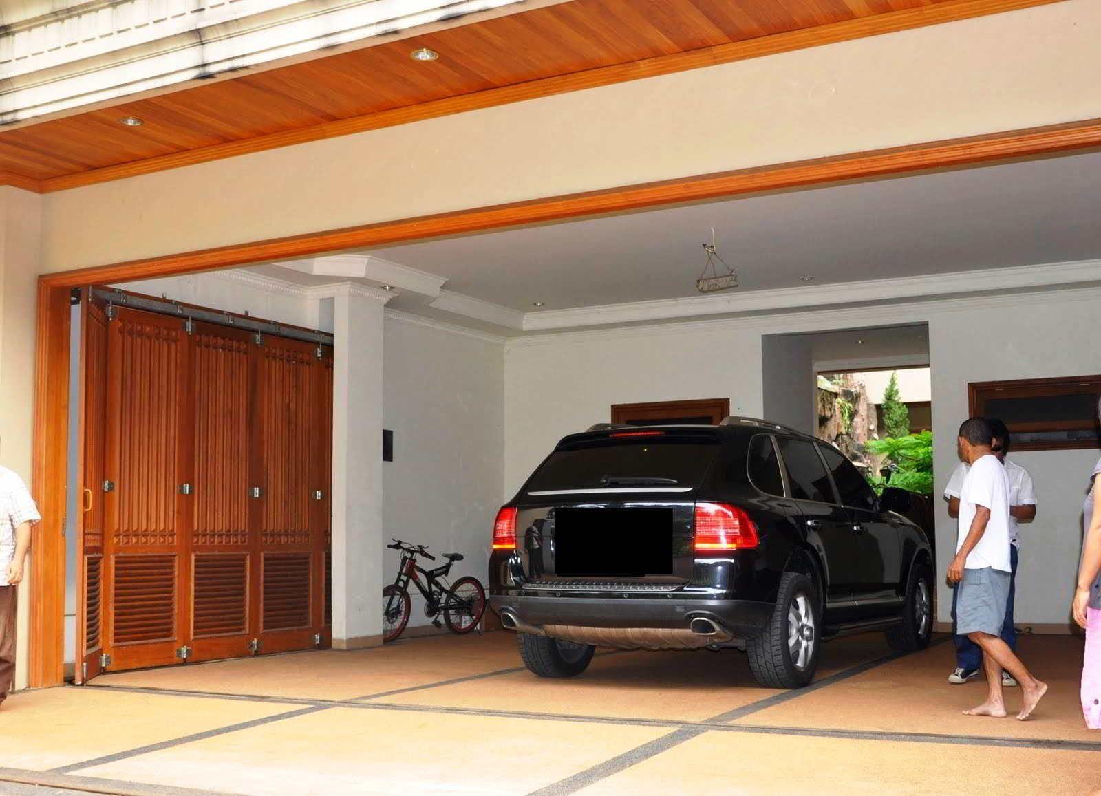 45 Model Garasi Mobil Minimalis Modern Dan Unik Memiliki Kendaraan Pribadi Bisa Dibilang Adalah Impian Semua Orang Rumah Minimalis Modernisme Desain Rumah