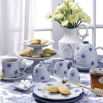 Andrea Blue Bee Dinnerware & Andrea Blue Bee Dinnerware | Bees Please | Pinterest | Bees ...