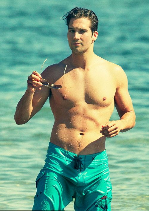 James maslow bulge can