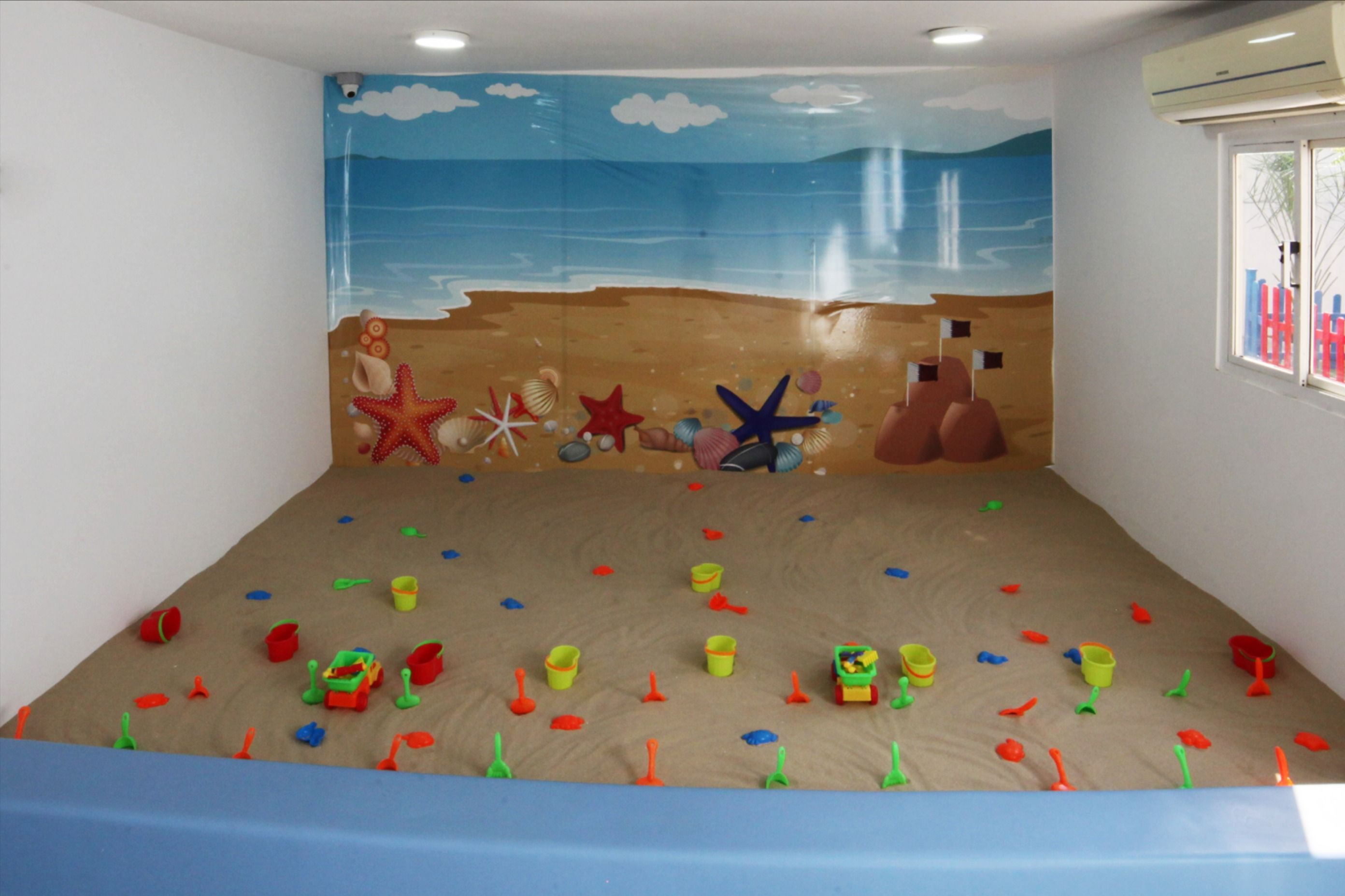 Little Toddlers English Nursery Uk Eyfs Curriculum Kids Up To 4 Years