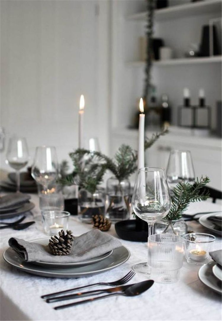 Simple Holiday Table Decorations Centerpiece Christmas Table Centerpieces Holiday Table Decorations Minimalist Christmas