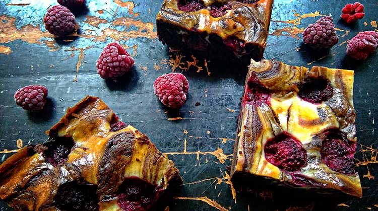 cheesecake brownie met frambozen