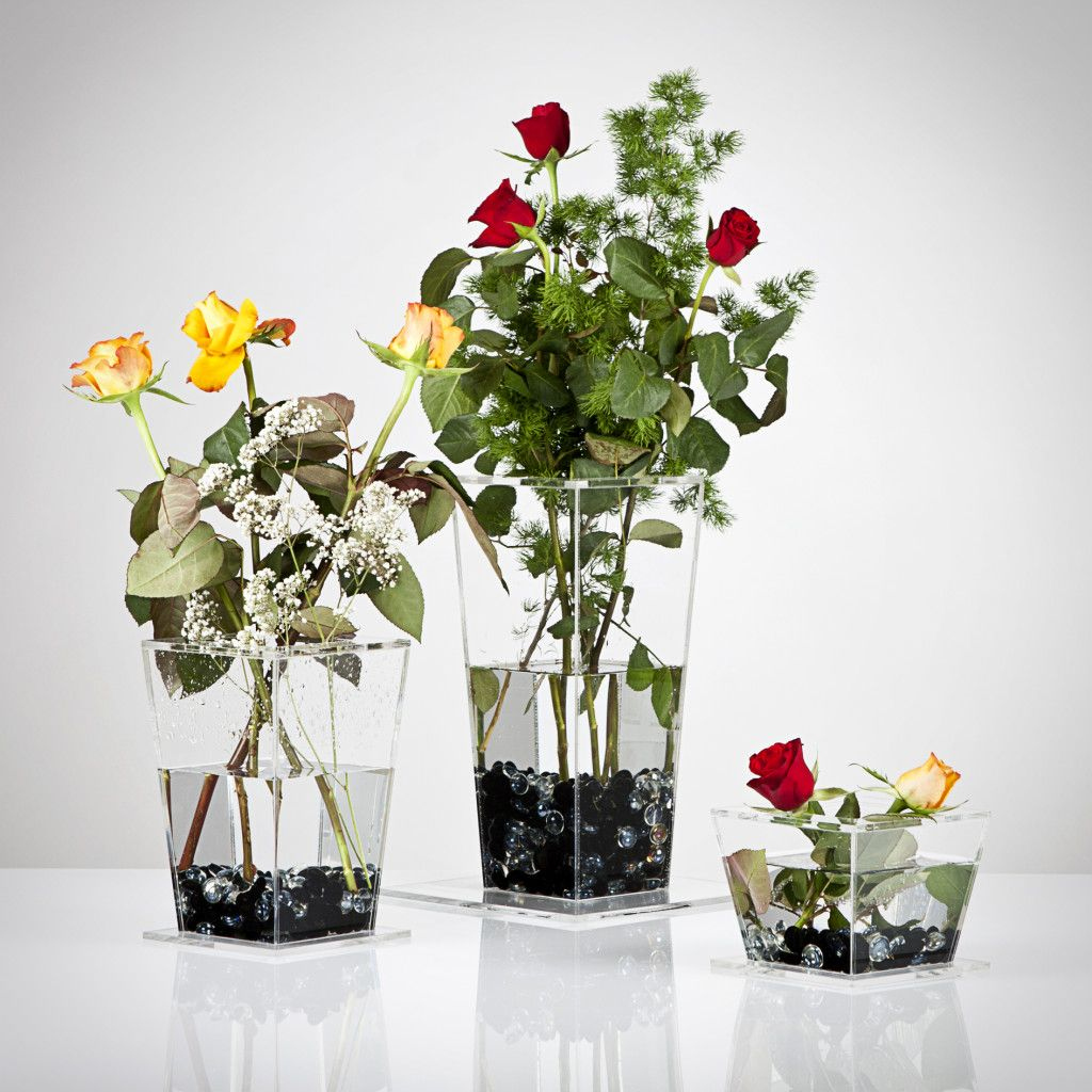 Cake stand separator flower displays cake stands for flower designs and inspiration for using cake stands for flower arrangements includes separators cake stands and more to create a stunning display izmirmasajfo Images