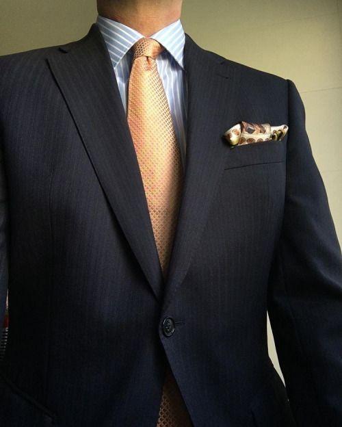 #rincondecaballeros #suitup #menswear #suit #gentleman #tailored #gentlemanwear #businessstyle #necktie #formalwear