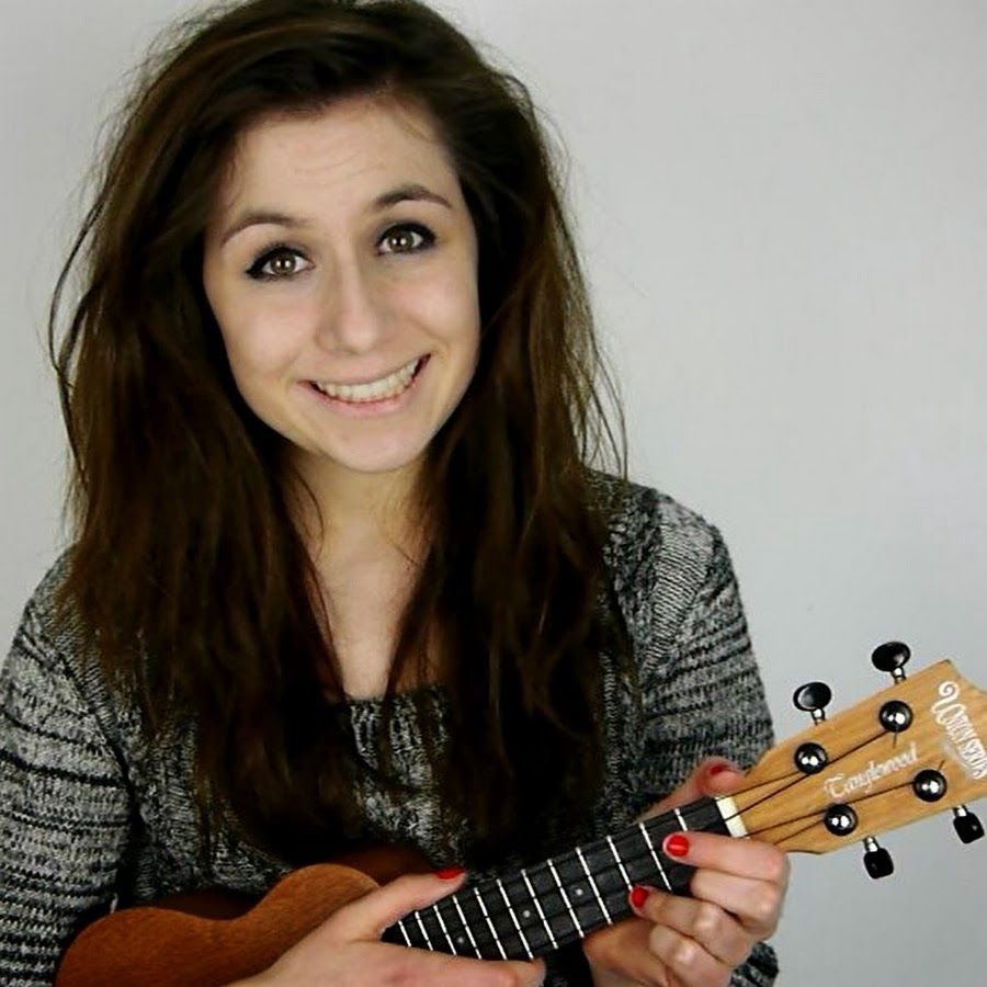 YouTuber Dodie Clark is Releasing a Book - CelebMix