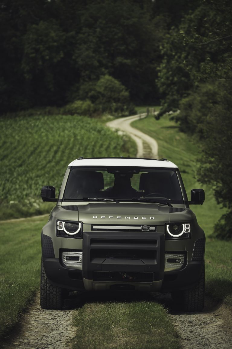 Land Rover Defender 2020 Pictures Free Download Google Search Landrover Landrover Defender Gelandewagen