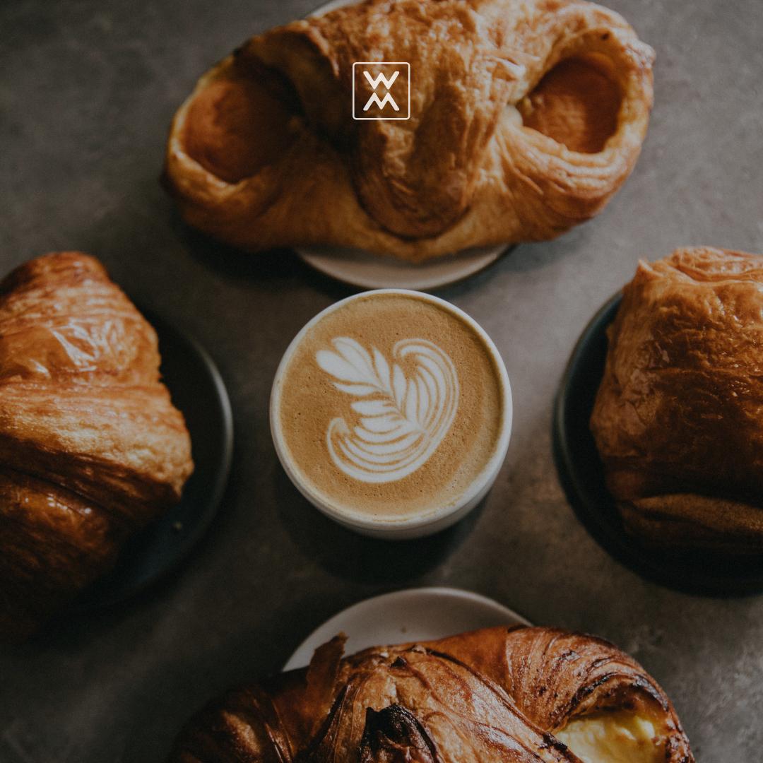 Create a trendy menu for your coffee shop Создай
