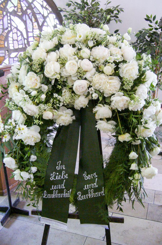 Trauerfloristik Trauerkranz Hannover Milles Fleurs Trauergestecke Beerdigung Blumen Trauerkranz
