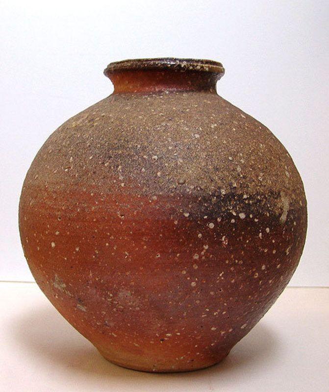Shigaraki Tsubo By Furutani Michio Item 822068 Detailed Views Japanese Pottery Contemporary Ceramics Ceramic Artists