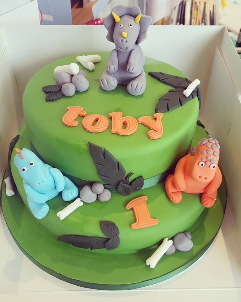 Dinosaur cake by Kerry Marks For all your cake decorating supplies
