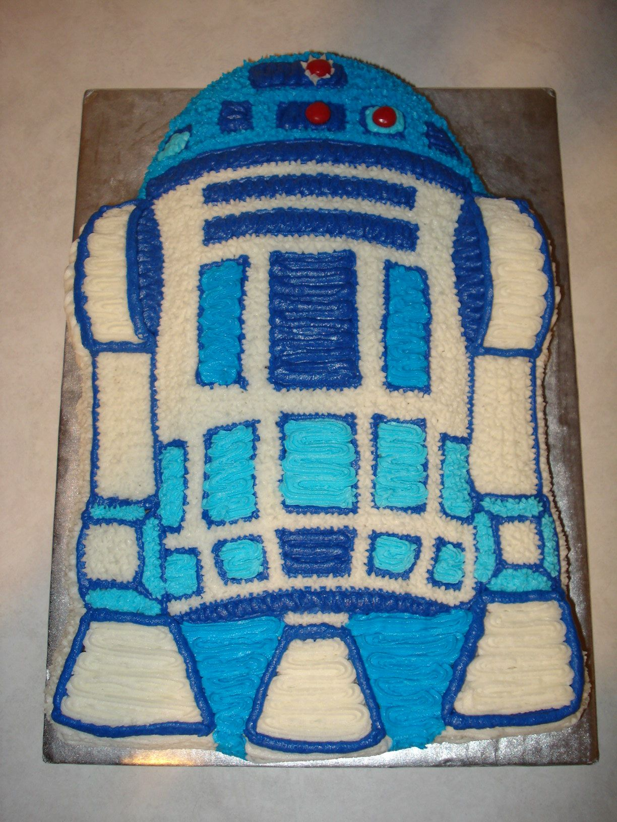 R2d2 made from wilton form pan star wars birthday