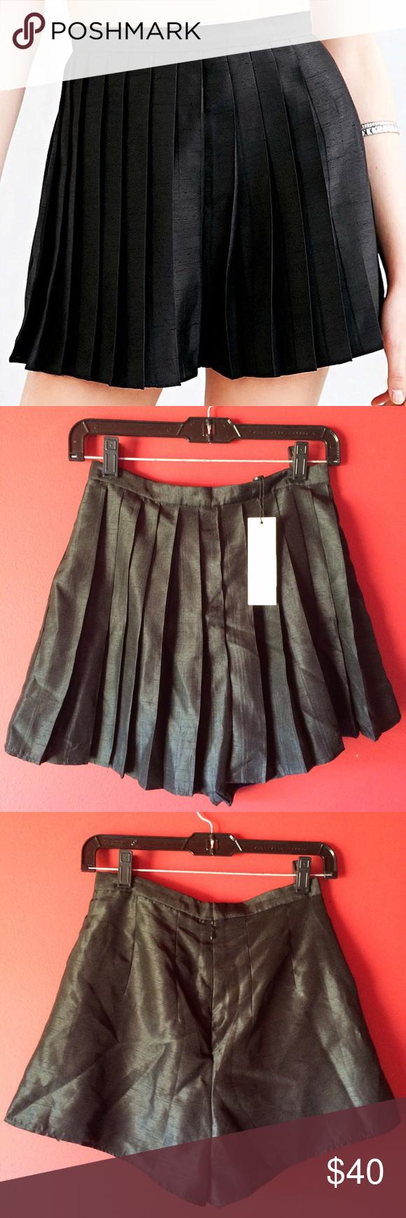 Keepsake From Above Shorts in Black Black skort with a pleated front. Keepsake Shorts Skorts