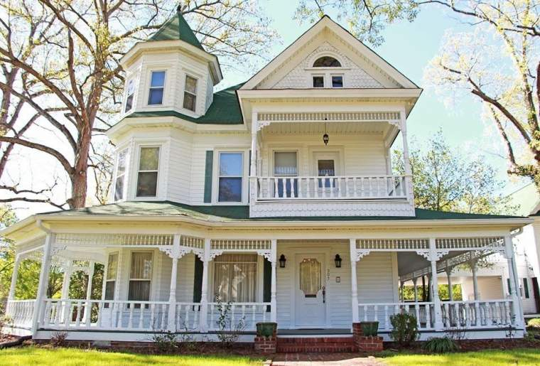 1895 Victorian For Sale In Jasper Alabama Captivating Houses Victorian Homes Exterior Modern Victorian Homes Victorian House Colors