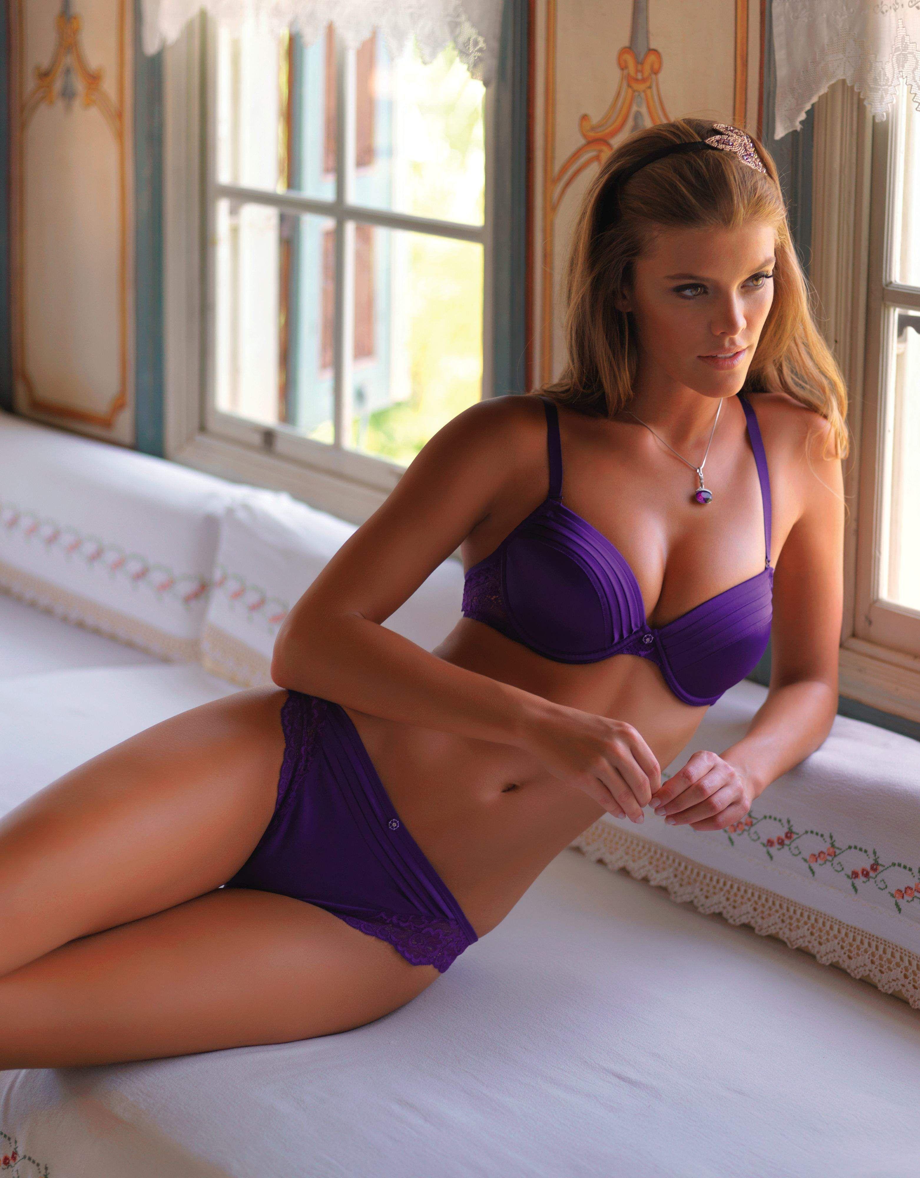 Dutch supermodel Nina Agdal for Yeni Inci 2013 ...