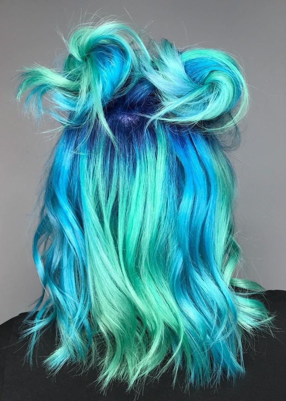 32 Cute Dyed Haircuts To Try Right Now Cosmico Cabello Peinados