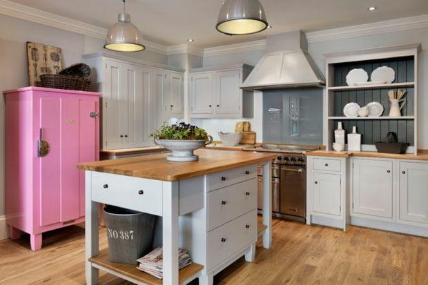 Küche einrichten Ideen alte Möbel aufpeppen auffrischen Möbel