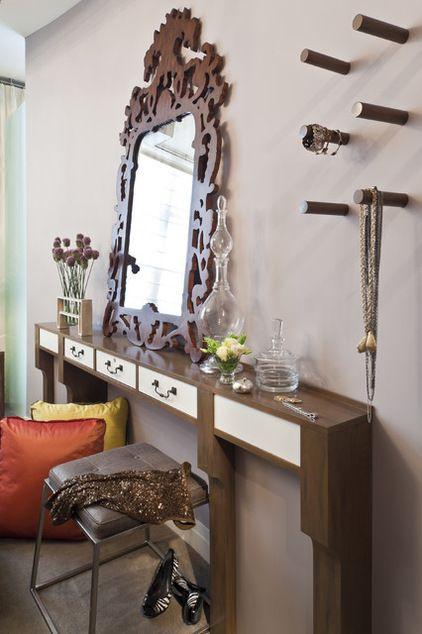 Moderne Chambre by Elizabeth Cb Marsh