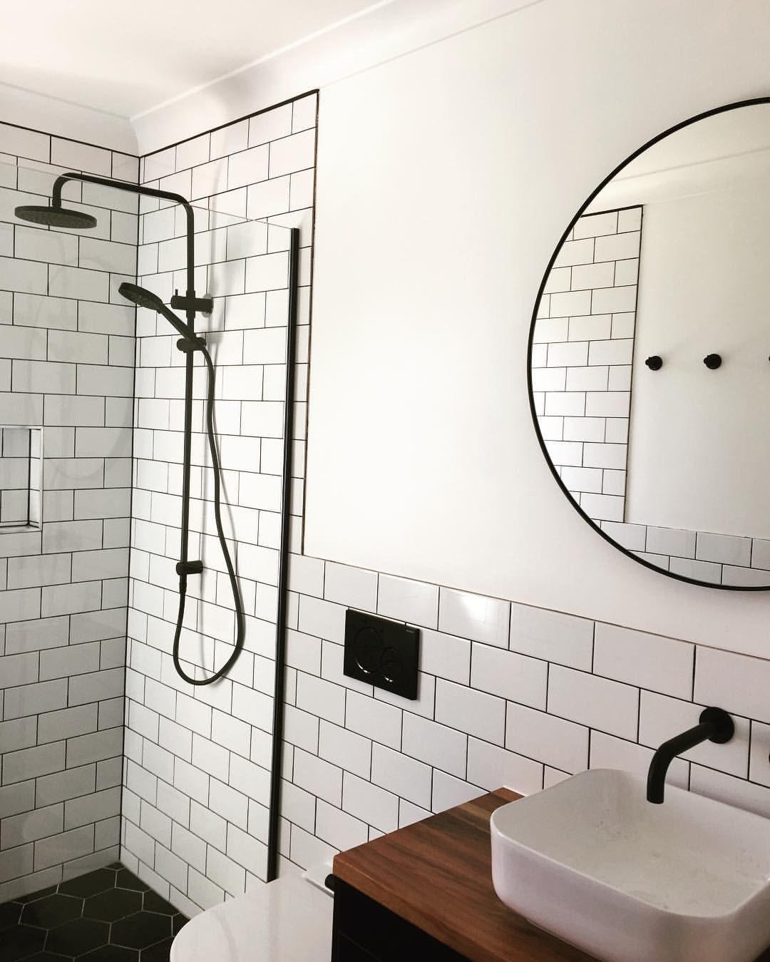 Epingle Par Pui Yie Sur Reno Bathroom Ideas Salle De Bains Combles Salle De Bain Et Decoration Maison