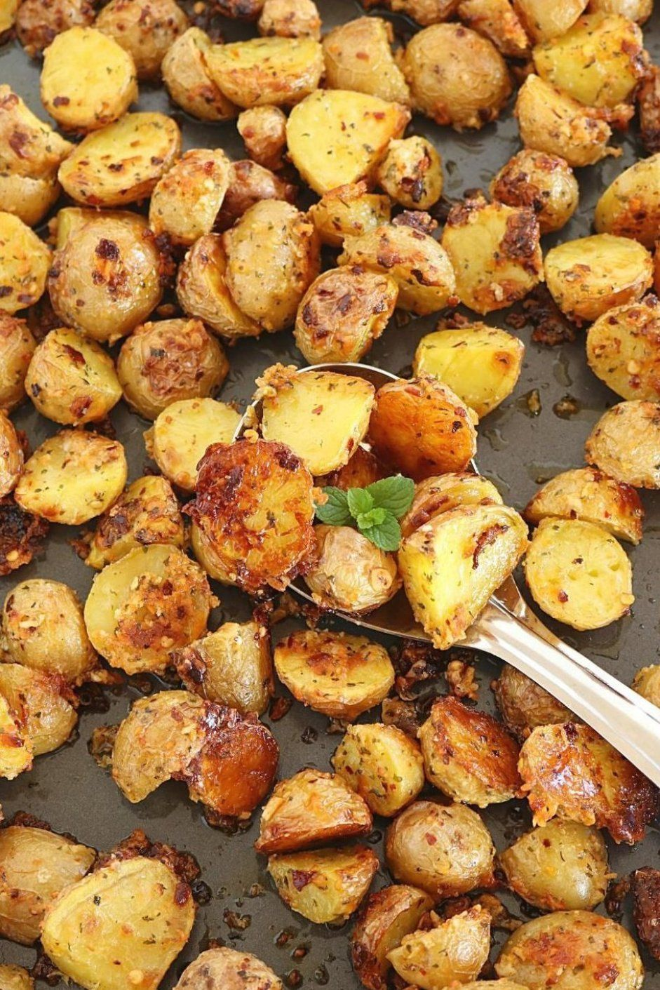 Oven Roasted Potatoes Crispy Oven Roasted Potatoes How To Bake Baby Potatoes In Olive Oil In 2020 Gold Potato Recipes Baked Red Potatoes Baked Baby Potatoes